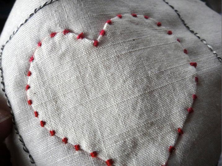Bead like applique outlining