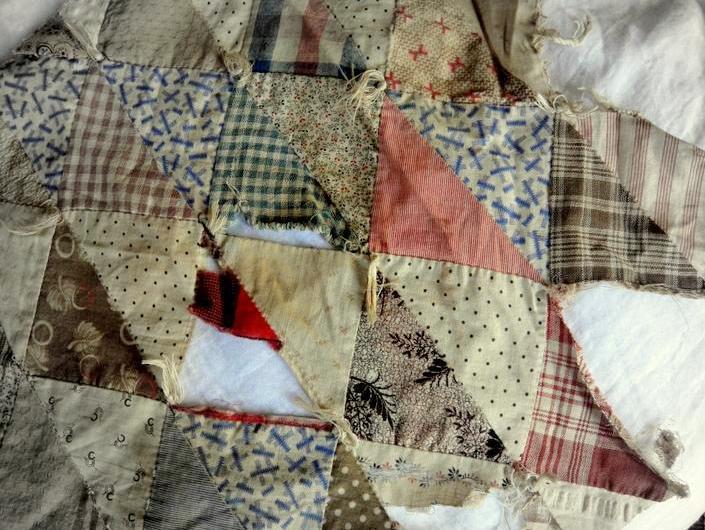 ThreadCrumbs: #61 patchwork quilt fragment : patchwork quilt by hand - Adamdwight.com