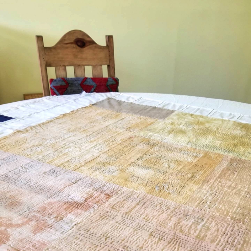 The big round quilting table