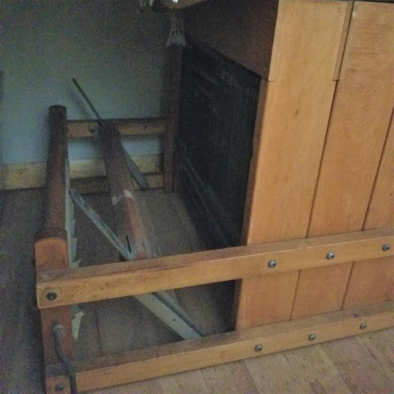 Old mama loom